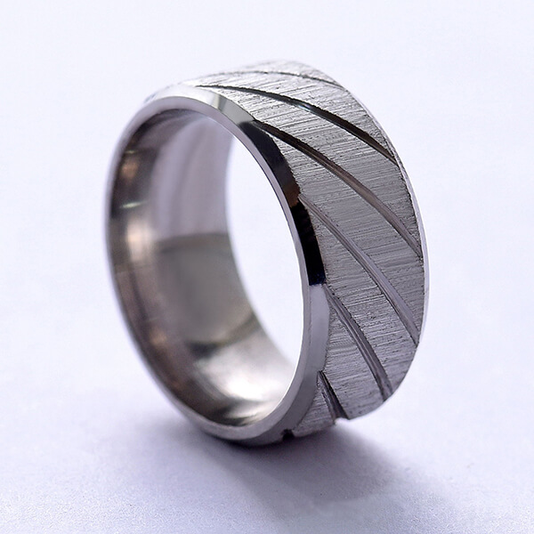 Hot Sell Stainless Steel Women's Diamond Ring 2mm Jewelry Micro Inlaid Ring Featured Image