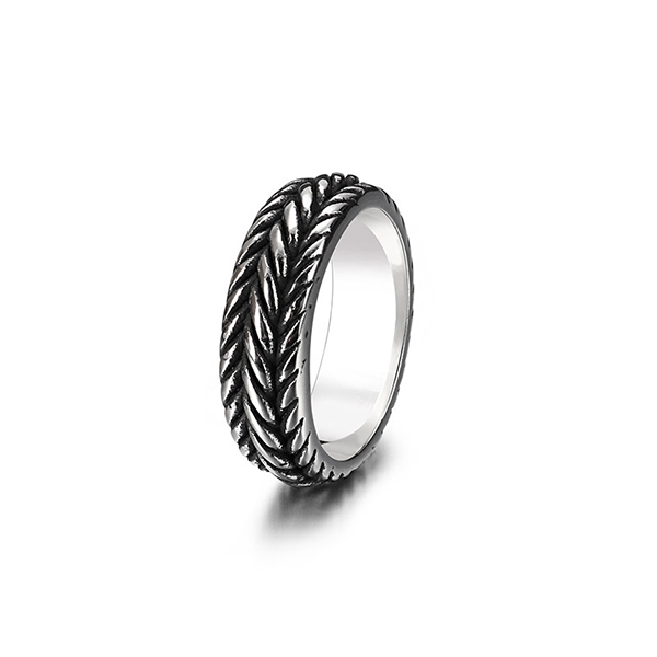 Personalized Fashion Punk Twist Chain Titanium Steel Ring Featured Image