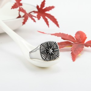 Stainless Steel Ring Silver Tone Black Engine Sun Pattern Celtic Vintage Knot Motifs Finger Rings