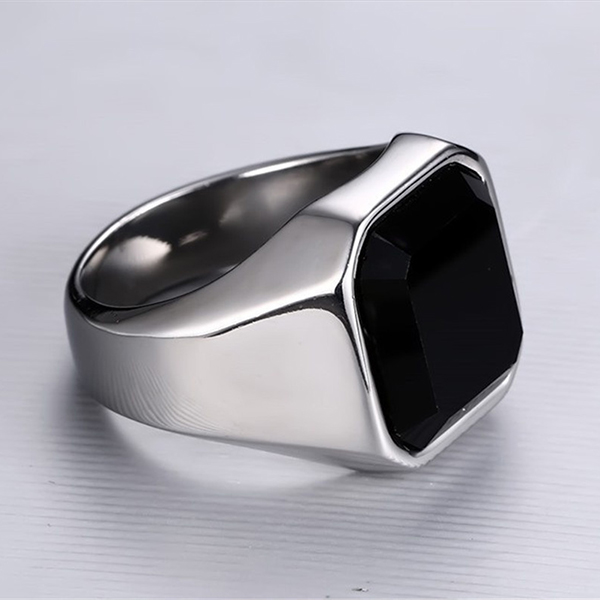 2020 wholesale price Prices For Tungsten Carbide Ring - Fashion Stainless Steel Signet Rings with Black Agate for Men – Ouyuan