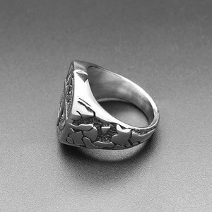 Retro Unisex Four-Pointed Star Stainless Steel Ring Signet Band