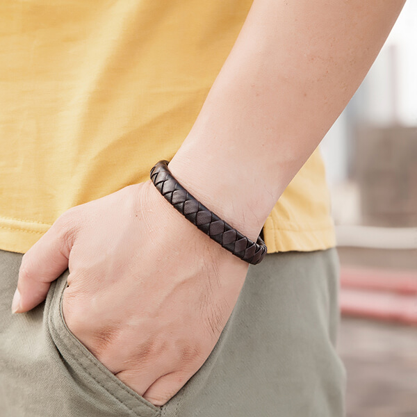 Chinese Professional Tungsten Black Ring 4mm - Braided Leather Bracelets for Men Bangle Bracelets Fashion Magnetic Clasp  – Ouyuan