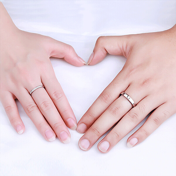 How to Determine the Perfect Engagement Ring Size
